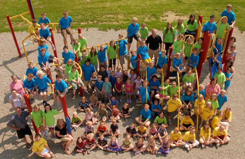 W6G_0051- best whole school photo -resized 2